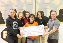 Le Défi a remis 4850 $ à l'École Fréchette pour le projet de Skate parc et la remise à niveau du terrain d'athlétisme.