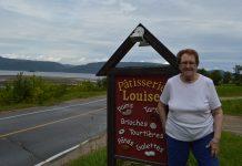 La pâtisserie Louise fait face au fjord du Saguenay à L'Anse-Saint-Jean