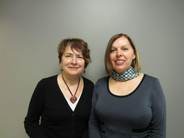 Ginette Côté, mairesse de Petit-Saguenay et Marina Gagné, nouvelle directrice générale de la municipalité