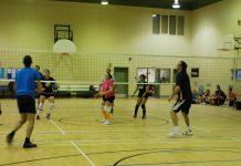 Le tournoi de volleyball de l'École Fréchette accueille toujours de nombreuses équipes.