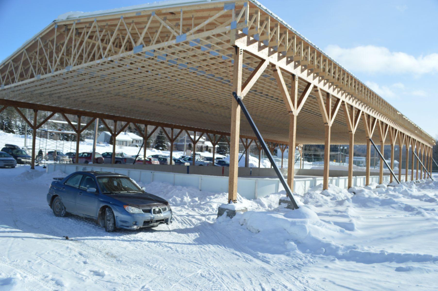 La saga du toit de la patinoire de saint f lix le trait d 39 union - Date des saint de glace 2017 ...